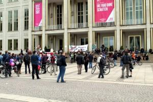 """250 Menschen bei Demonstration """"Überwachung stoppen – Grundrechte stärken"""""""