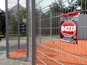 Plakat für die Veranstaltung 'Kontrollbereich 04277' am Streetballplatz